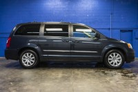 2013 Chrysler Town And Country Touring FWD
