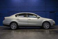 2010 Volkswagen Passat Komfort FWD